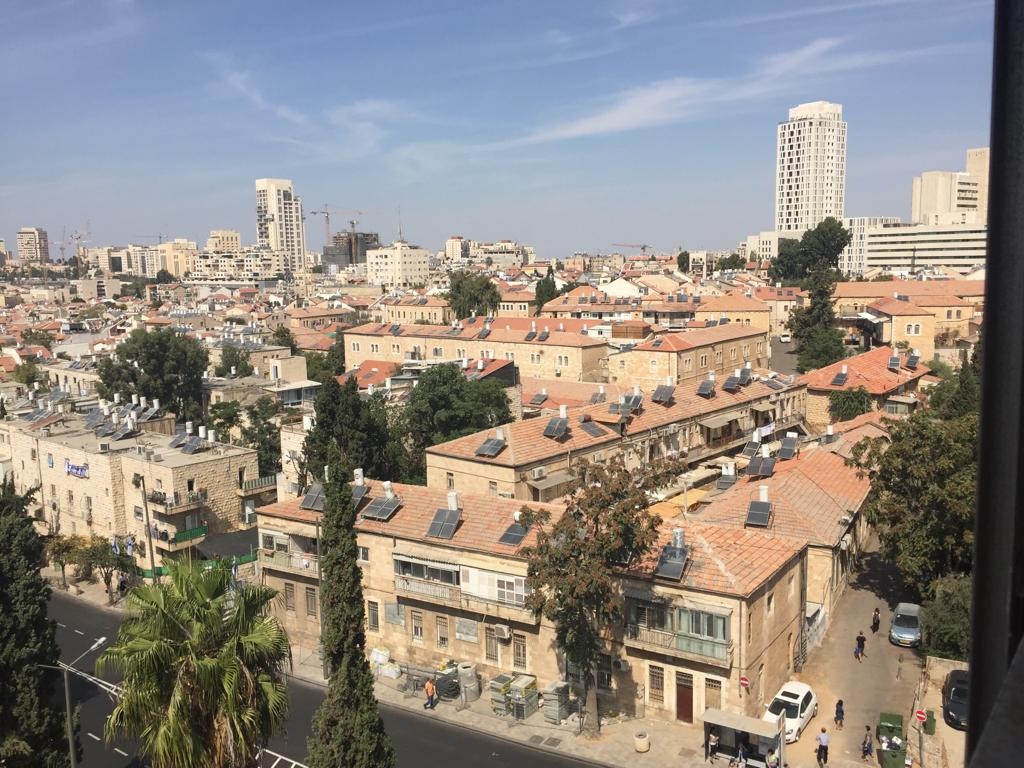 Jerusalem center: 3.5 rms, 5th flr,